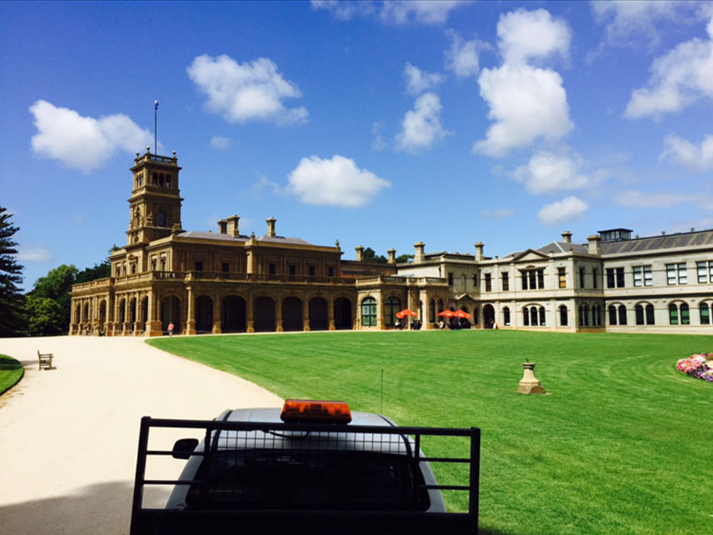 Werribee park lawn maintenance